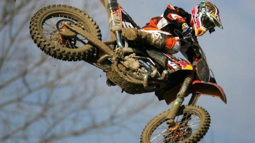 Covid-19. Nacional de supercrosse cancelado, motocrosse pode voltar em setembro