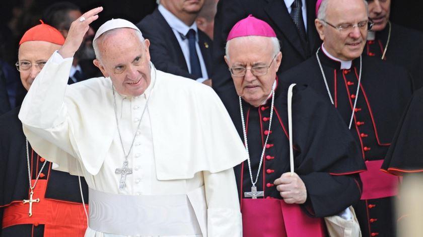 Papa em Florenca com bispos. Foto: Maurizio Deglinnocenti/EPA