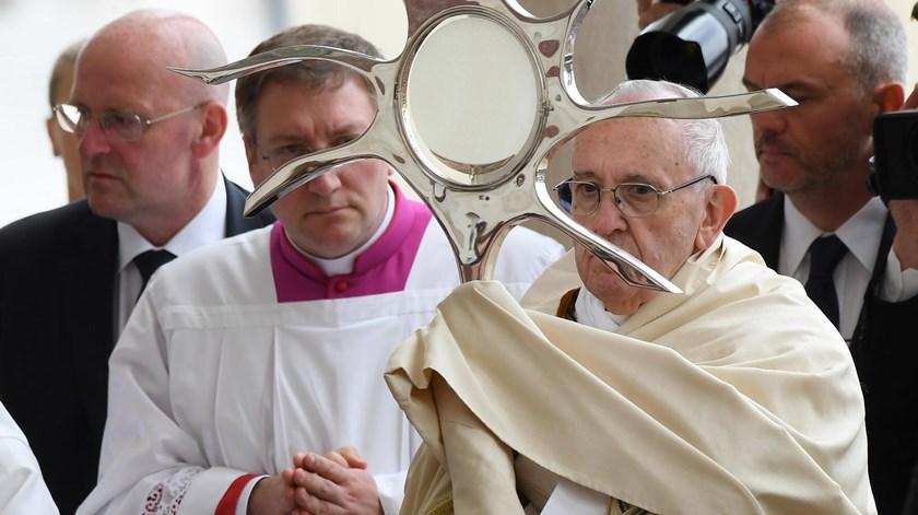 """Papa Francisco. """"Queridos doentes vivei a vossa vida como um dom"""""""