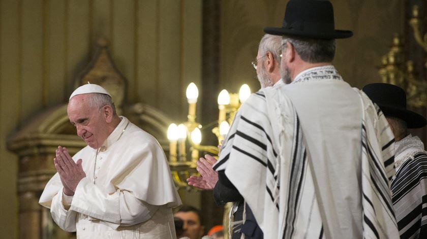 O Papa Francisco tem mantido a tradição dos seus antecessores de boas relações com os judeus. Foto: DR