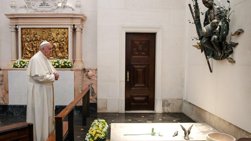 Papa visita túmulos dos pastorinhos
