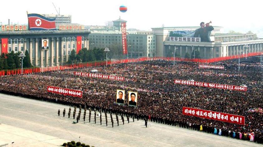 Imagens de satélite mostram preparativos para grande desfile na Coreia do Norte