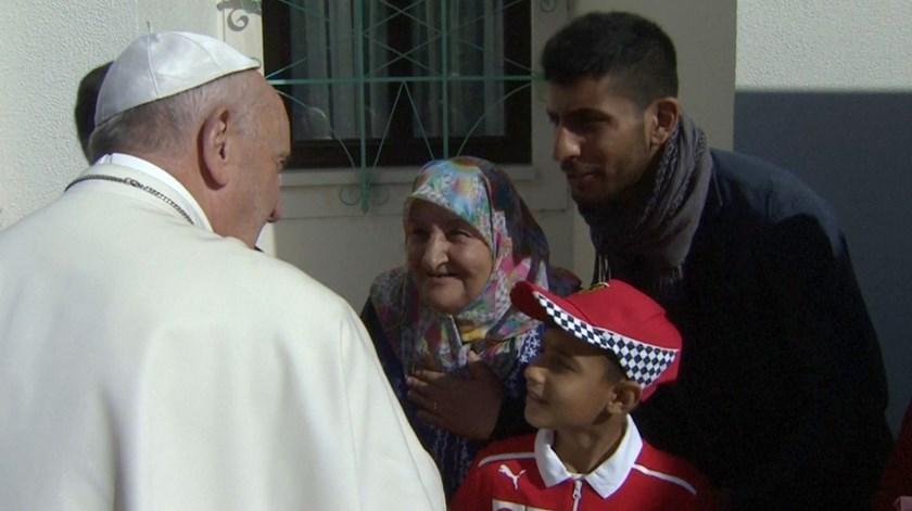 Papa recebe família de refugiados iraquianos em Fátima