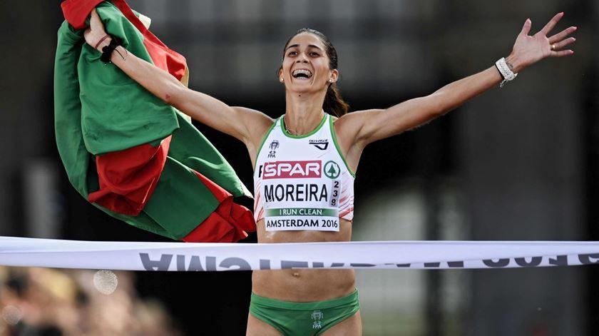 Sara Moreira vence o ouro em Amesterdão. Foto: Olaf Kraak/EPA