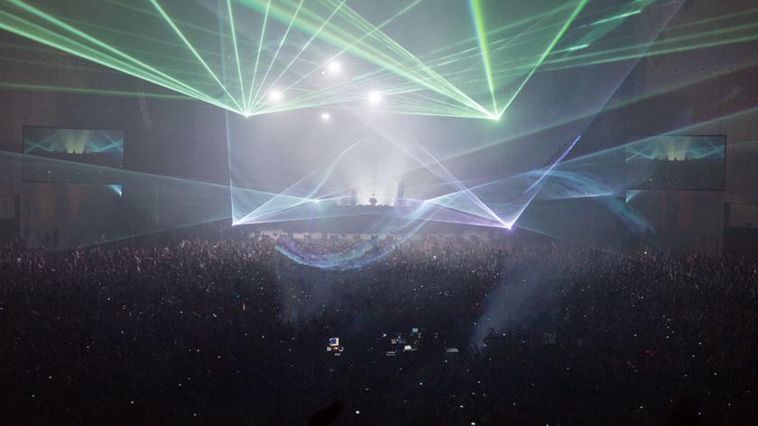 Lasers, luzes e muita música