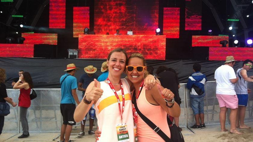 As reporteres RFM Mariana Alvim e Carolina Camargo