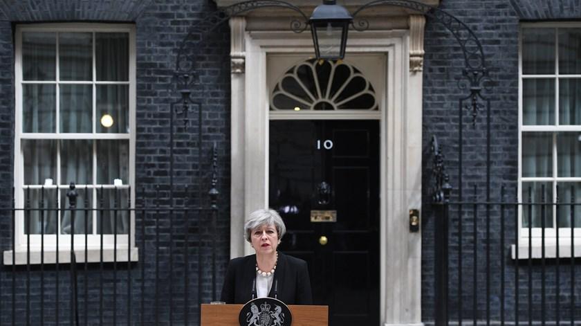 """Theresa May. """"Os nossos valores irão prevalecer sempre"""""""