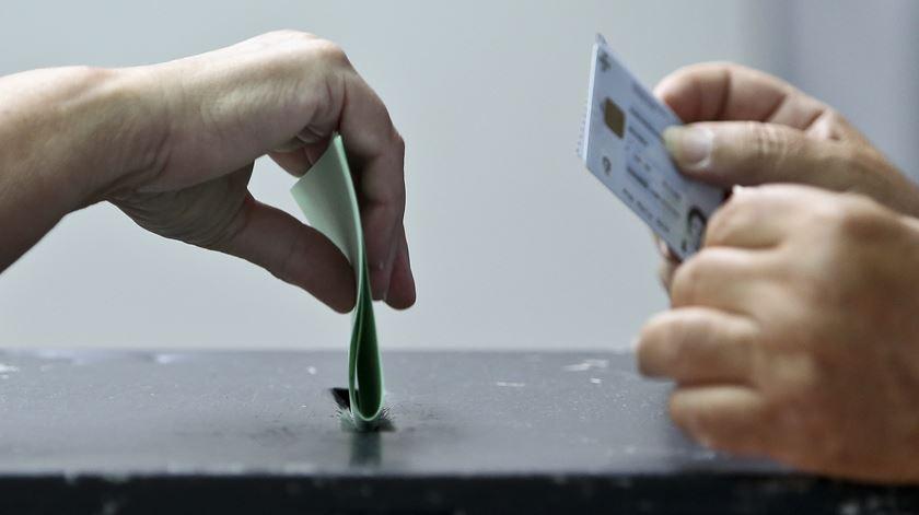 Voto porta a porta e voto antecipado mais acessível. O que pode mudar na hora das eleições?