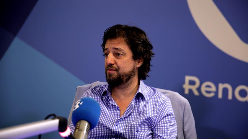 Miguel Poiares Maduro defende que Rui Pinto deveria estar livre e a cooperar com a Justiça