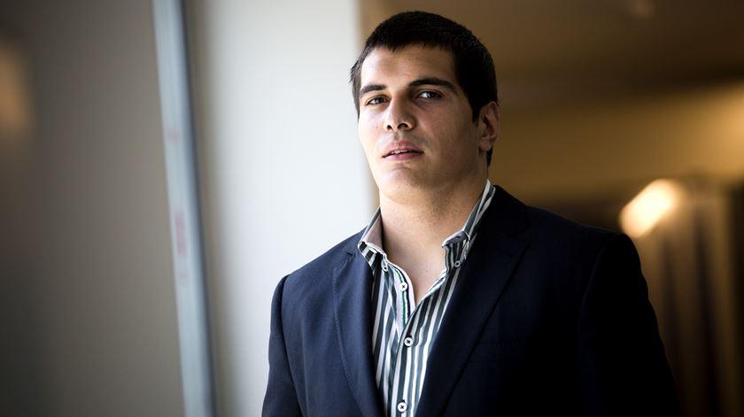 Gonçalo Madaleno, candidato do Partido Trabalhista Português às Eleições Europeias. Foto: Joana Bourgard/RR