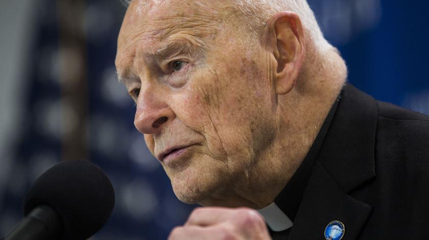 Antigo cardeal norte-americano Theodore McCarrick, cujo caso espoletou mais uma crise na Igreja americana. Foto: Jim Lo Scalzo/EPA