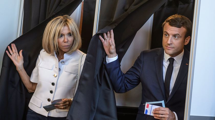 """França. Há menos eleitores a votar perante possibilidade de """"tsunami Macron"""""""