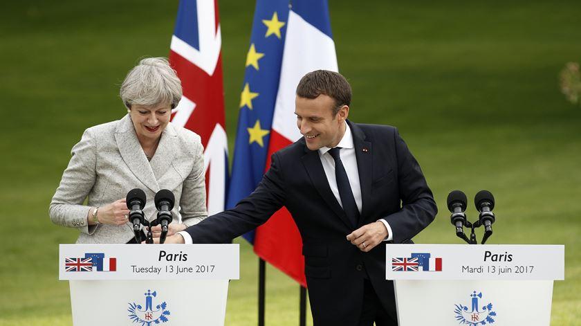 França e Reino Unido reforçam controlo de propaganda jihadista na internet