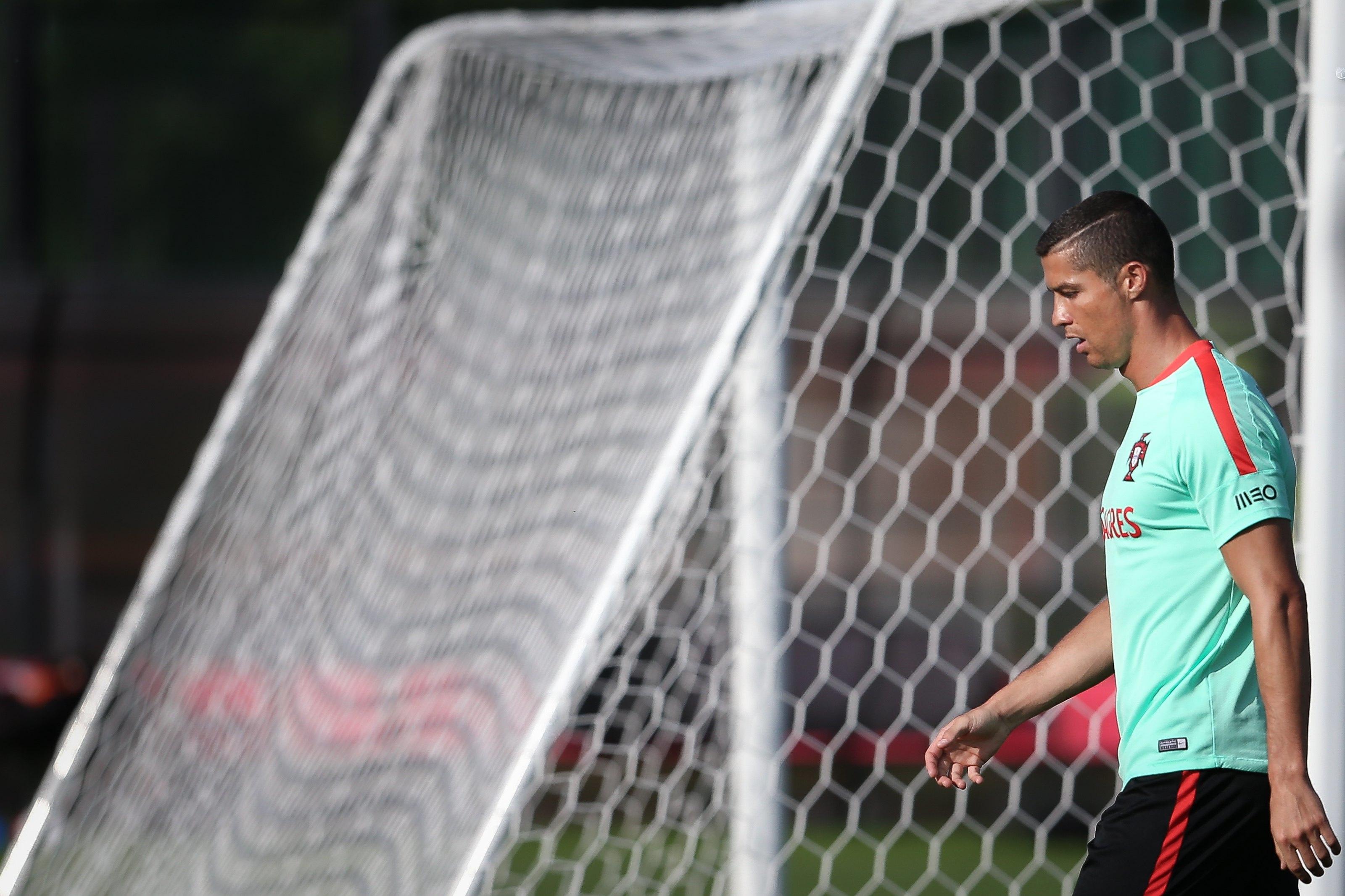 Cristiano Ronaldo faz treino separado na seleção portuguesa