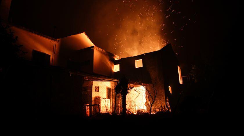 Autarquias reduzem ou isentam de IMI imóveis afectados pelos fogos