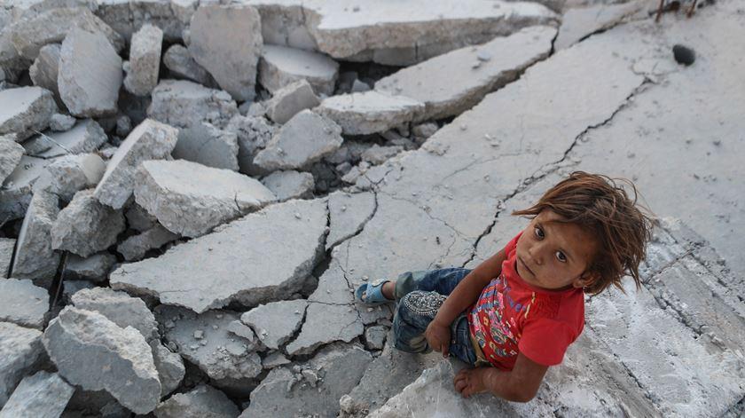 """UNICEF denuncia """"década mortífera"""". Ataques contra crianças triplicaram"""