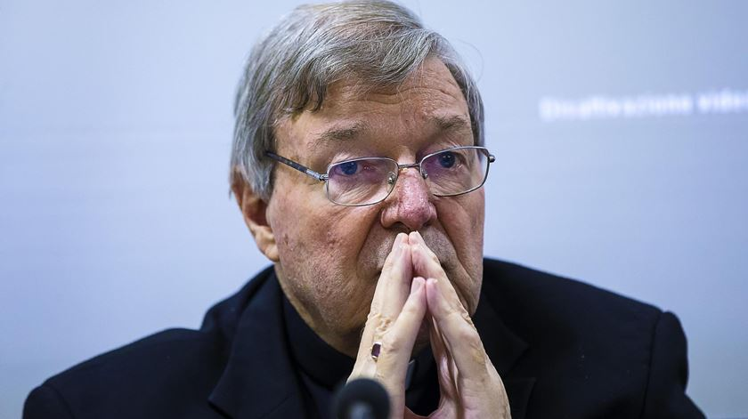 Cardeal George Pell vai mesmo a tribunal. Foto: Angelo Carconi/EPA