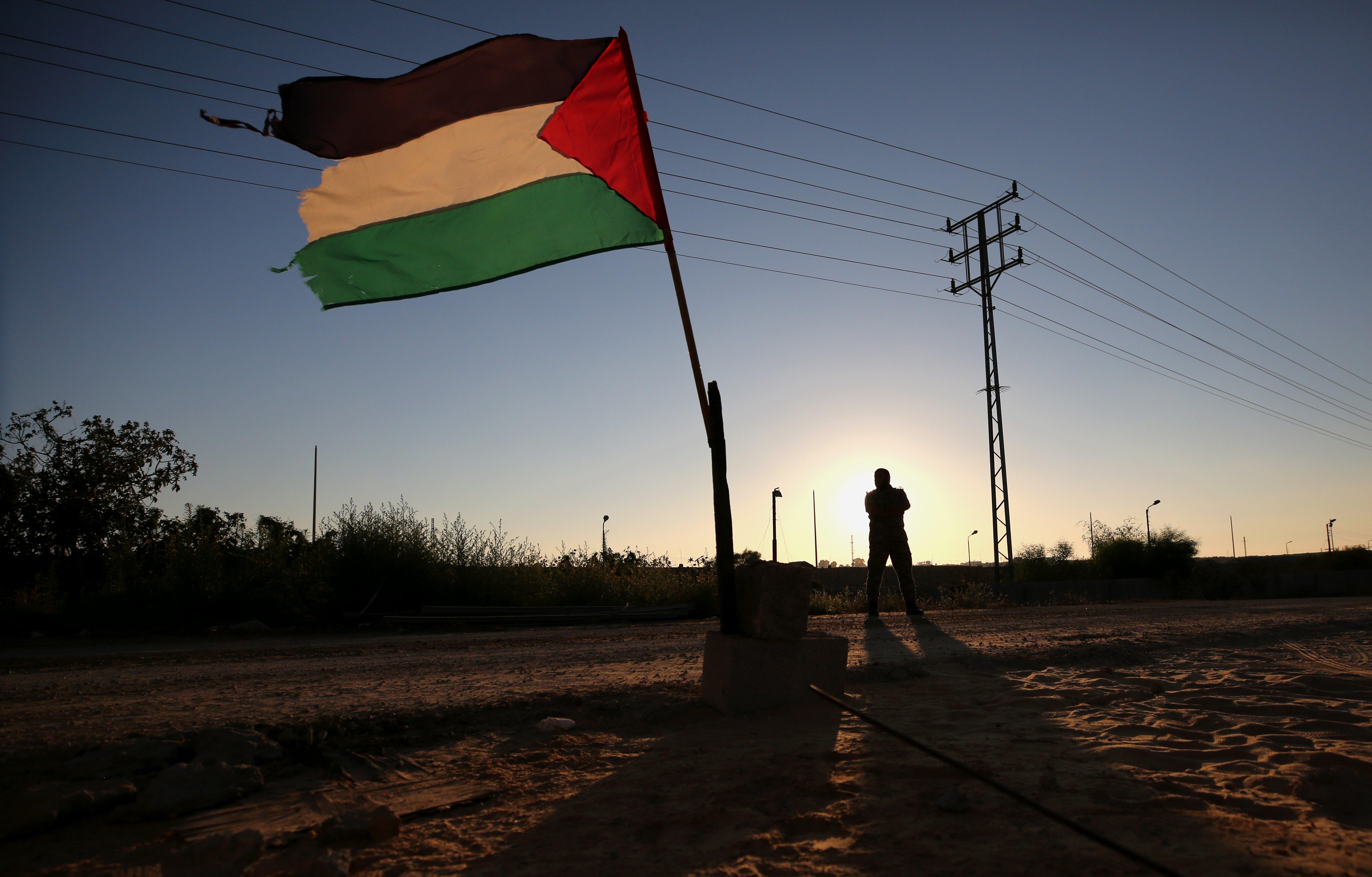 Palestinos ameaçam romper com EUA após fechamento de escritório