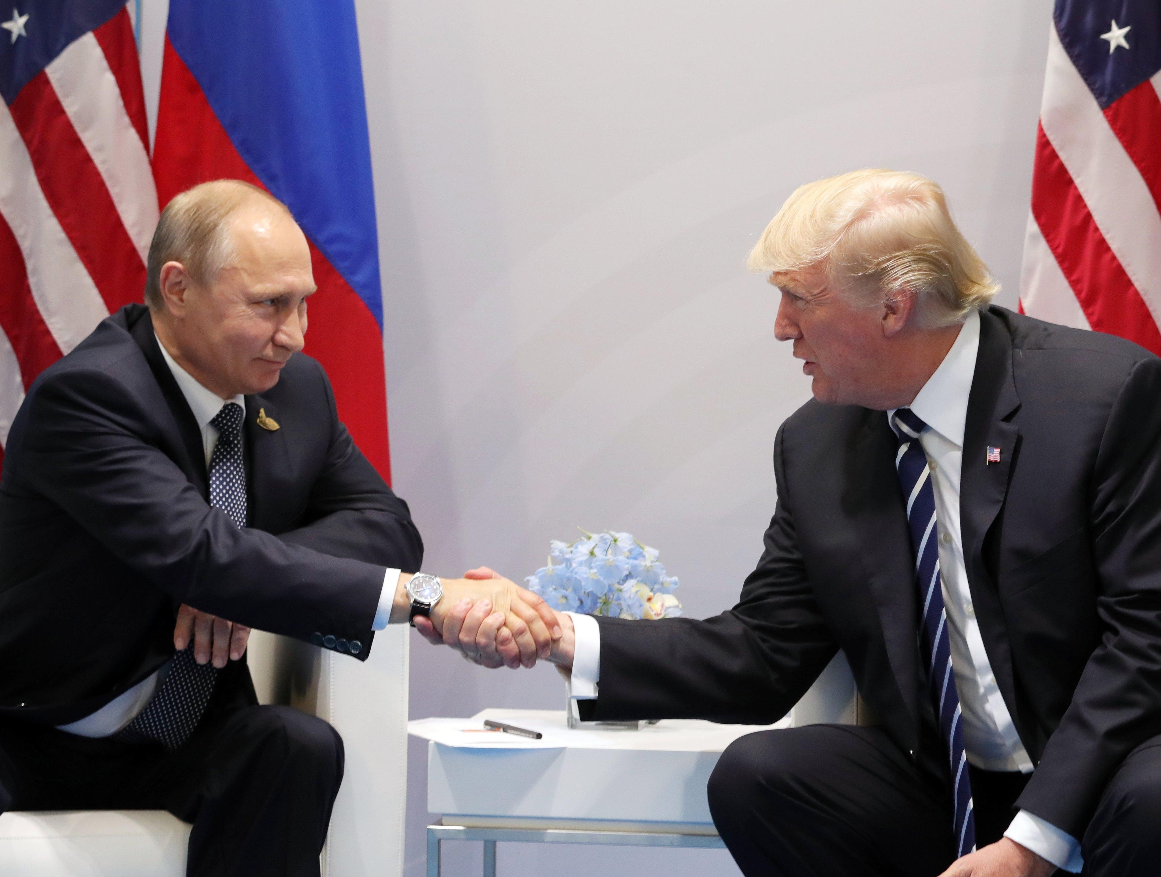 Lavrov: Moscou apoiará Trump se ele quiser normalizar relações com a Rússia