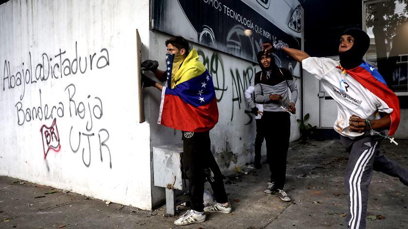 Protestos em Caracas contra o regime de Nicolas Maduro Foto: Miguel Gutierrez/EPA