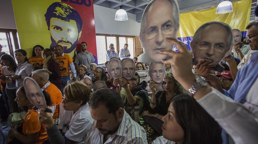 Manifestação de apoio a António Ledezma e Leopoldo López, dois dos opositores a Nicolás Maduro. Foto: Nathalie Sayago/EPA