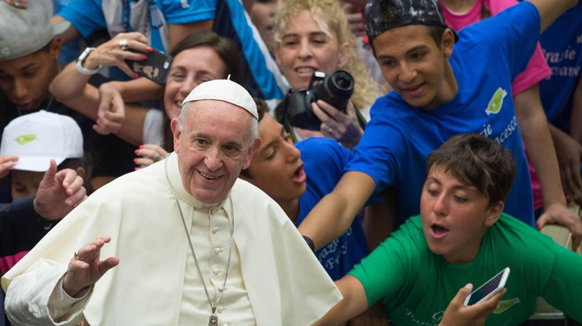 Papa Francisco retoma audiências semanais e dá TPC aos peregrinos