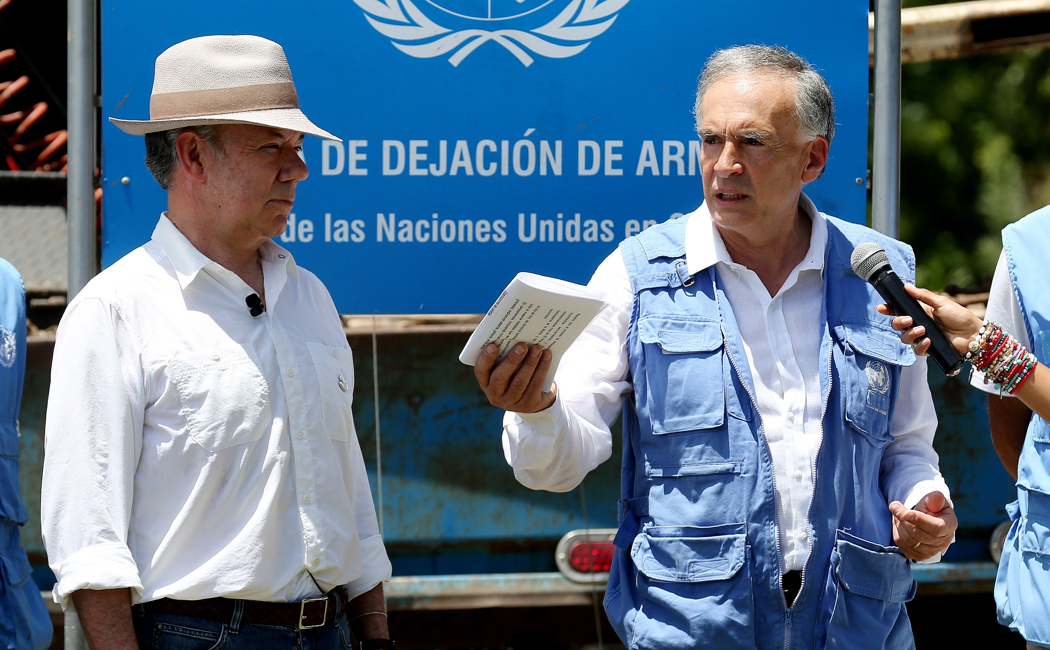 Mundo: Colômbia oficializa fim de conflito com as Farc