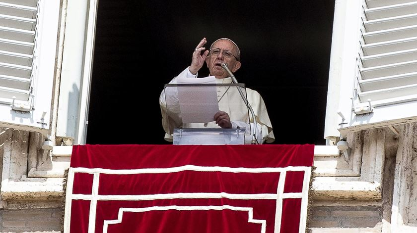 """""""Acolhamos a eucaristia com gratidão e não de modo passivo ou rotineiro"""""""