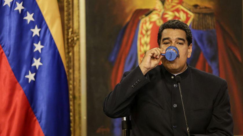 """""""Nicolás Maduro tenta lançar o isco aos EUA"""" com o objetivo de dar azo a uma """"guerra de palavras"""", diz Michael Coppedge. Foto: Cristian Hernandez/EPA"""