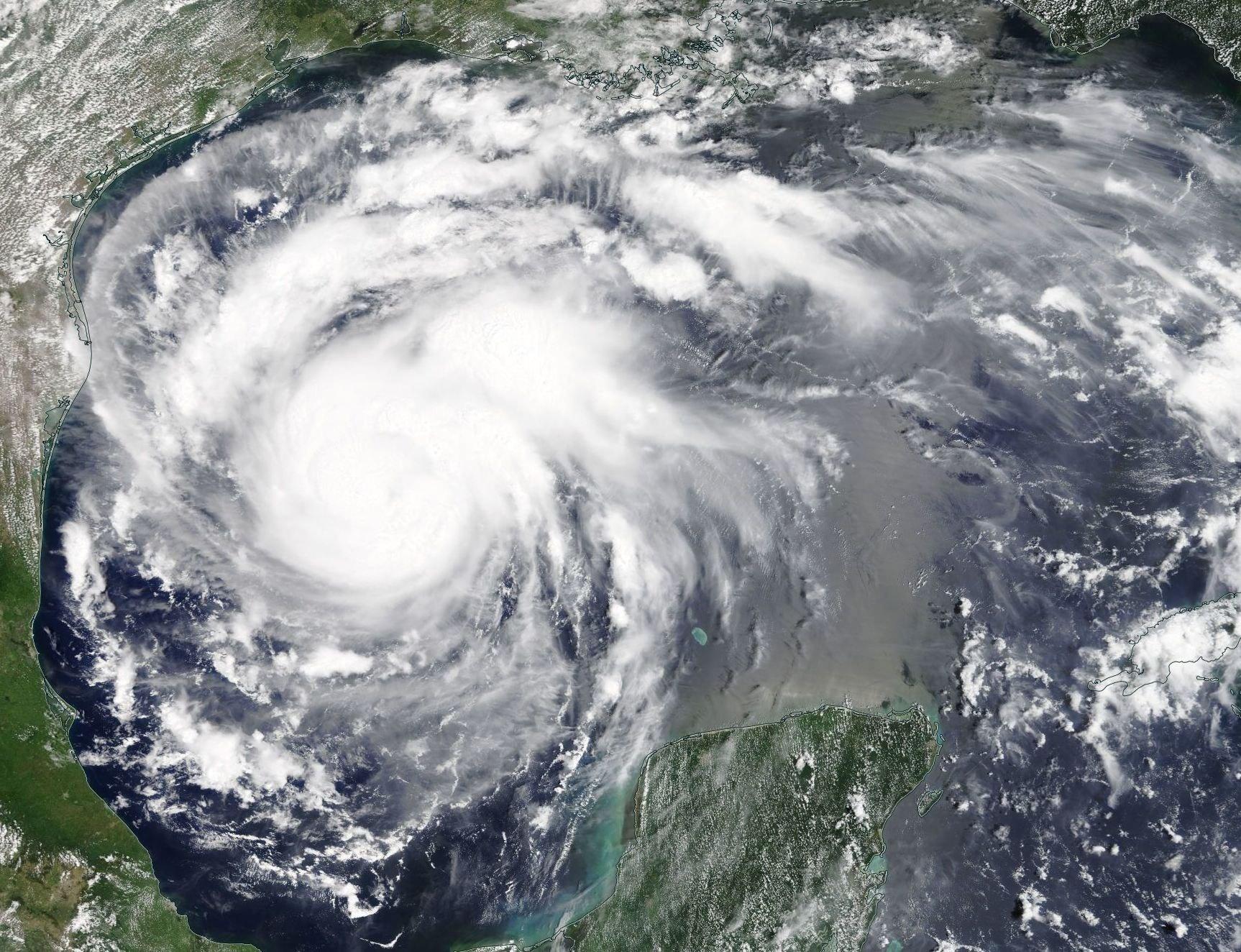 EUA: tempestade ameaça virar furação e impactar produção de petróleo
