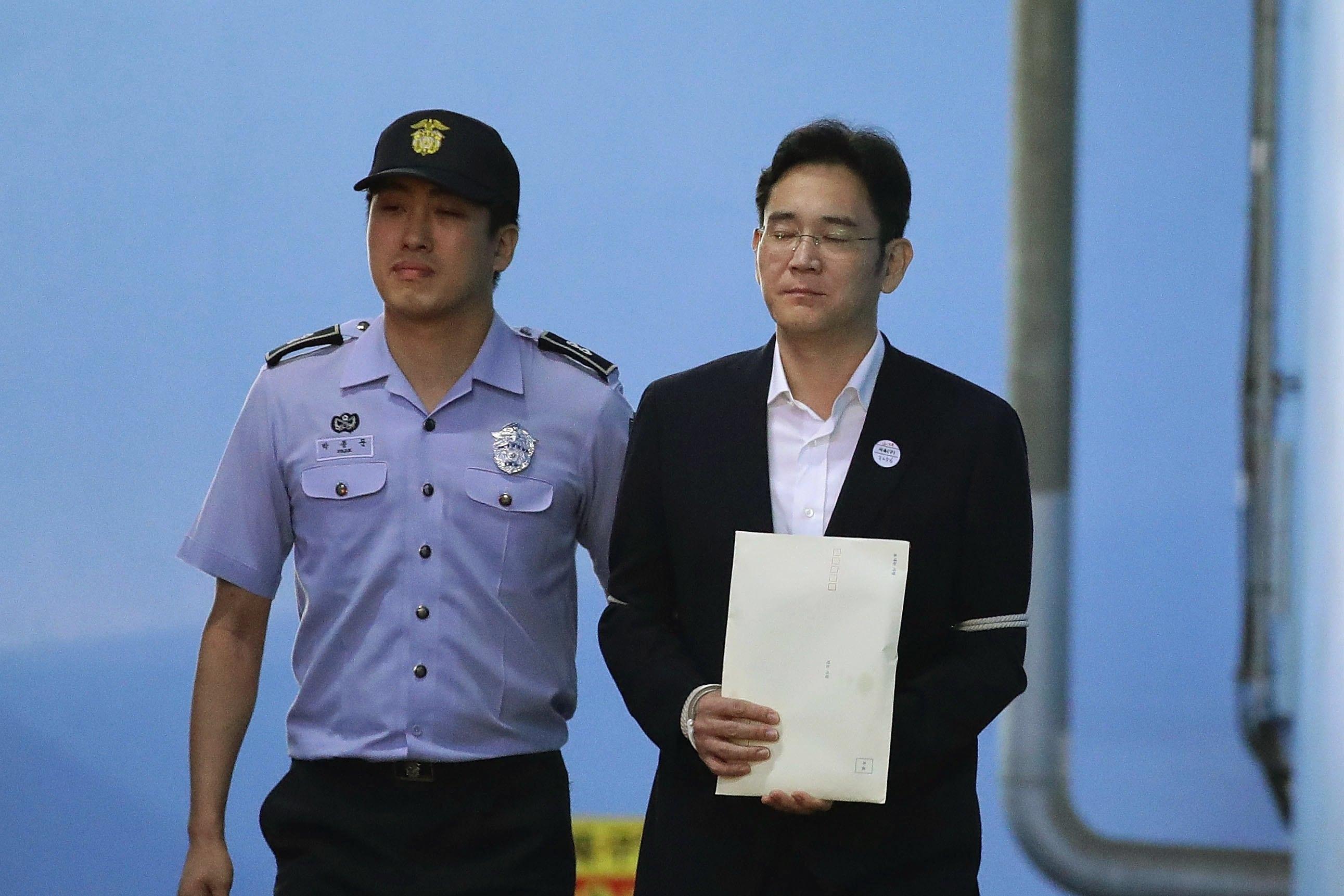 Herdeiro da Samsung preso por corrupção