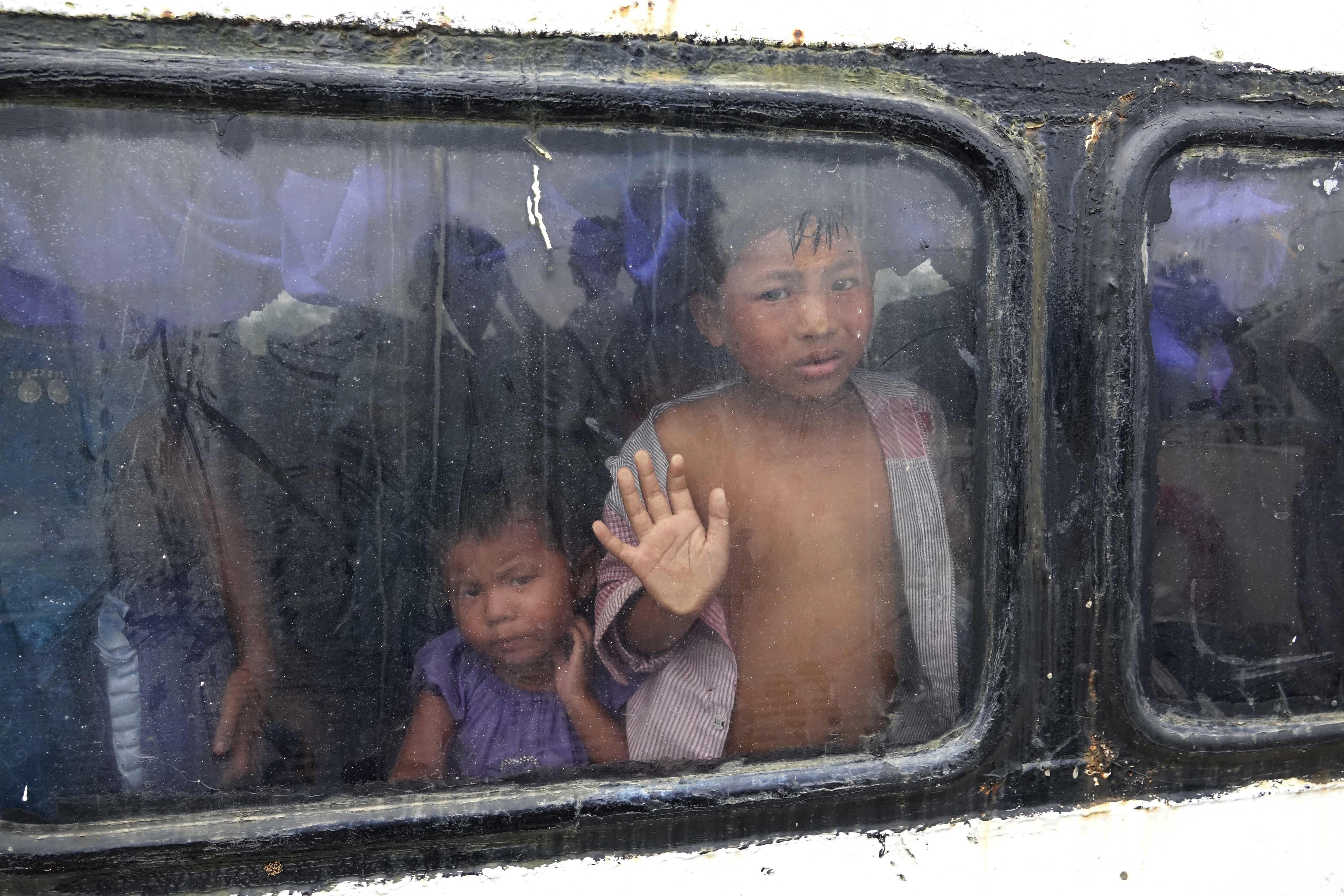 Rebeldes declaram trégua em Myanmar para travar tragédia humanitária