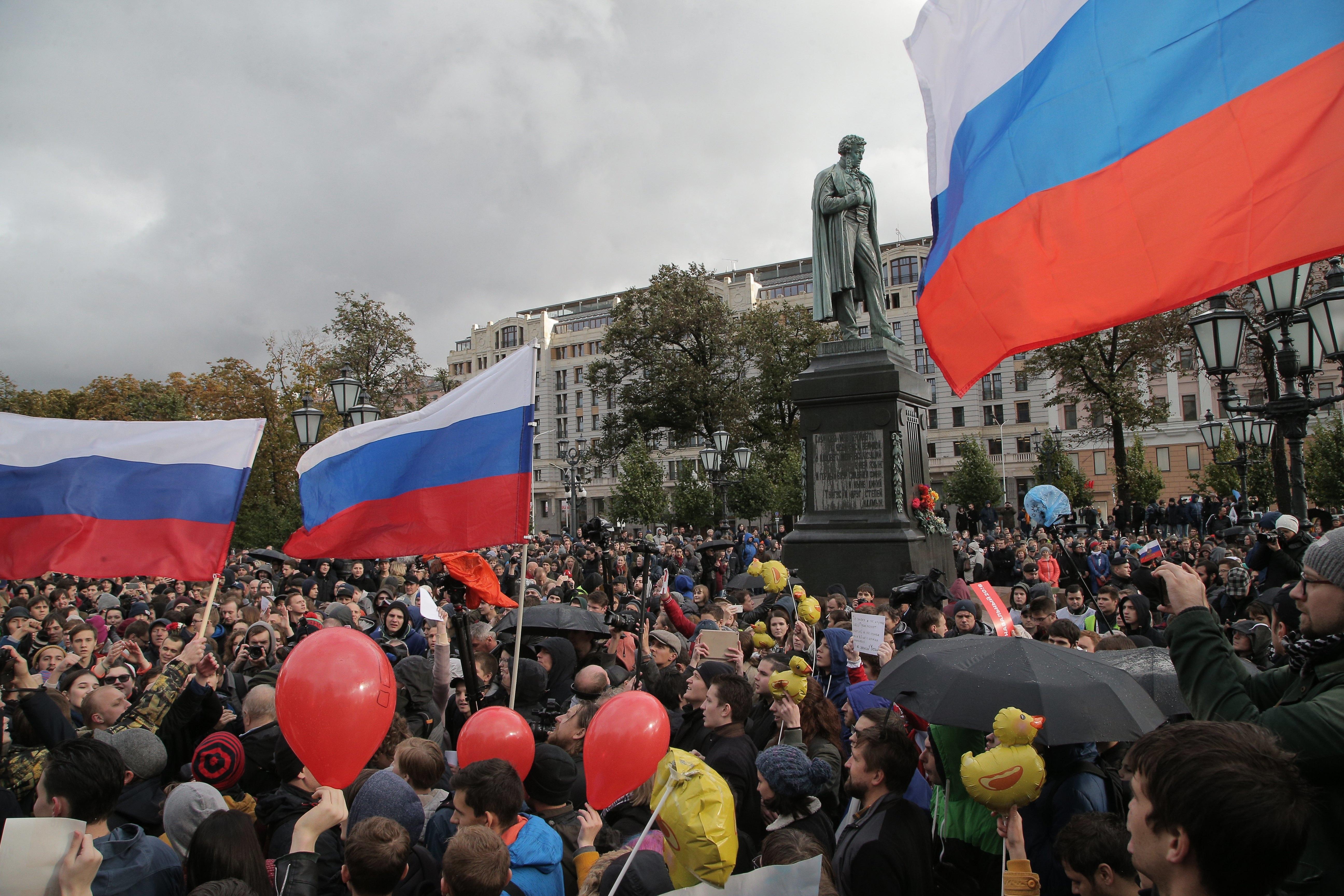 Rússia prende mais de 200 manifestantes em ato anti-Putin