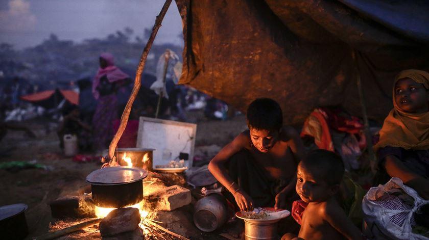 Refugiados. Banco Mundial quer criar comunidades mistas e evitar guetos