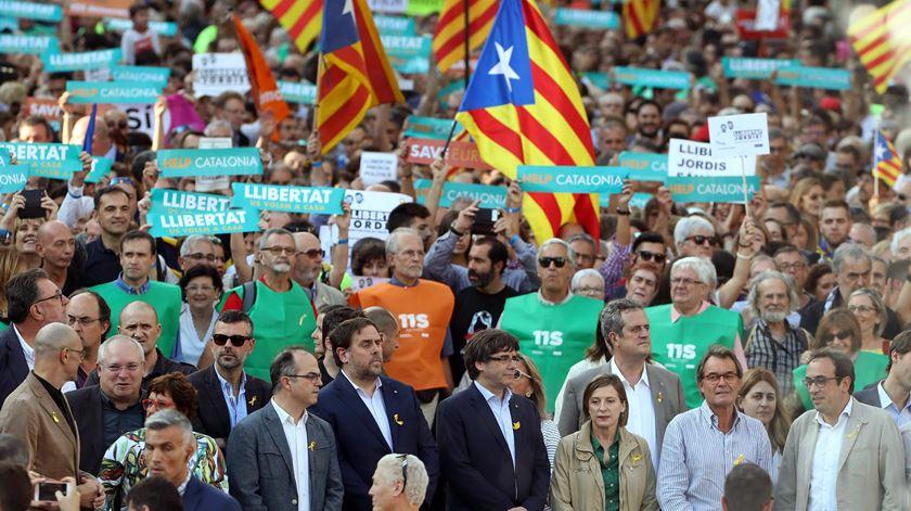 Milhares de pessoas manifestaram-se pela independência da Catalunha