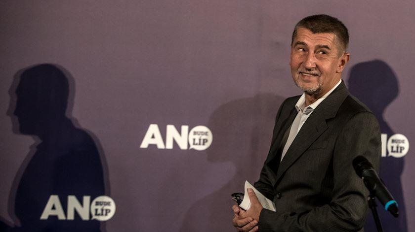 República Checa. Milionário populista vence eleições, extrema-direita em segundo