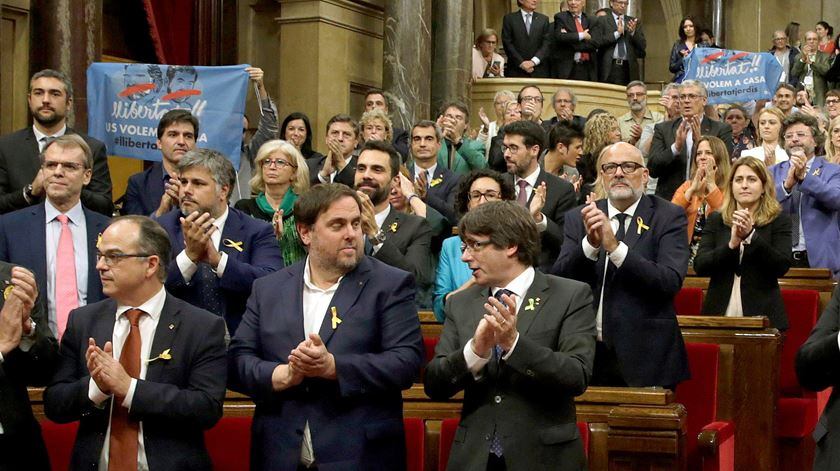 O momento em que a Catalunha declarou a independência