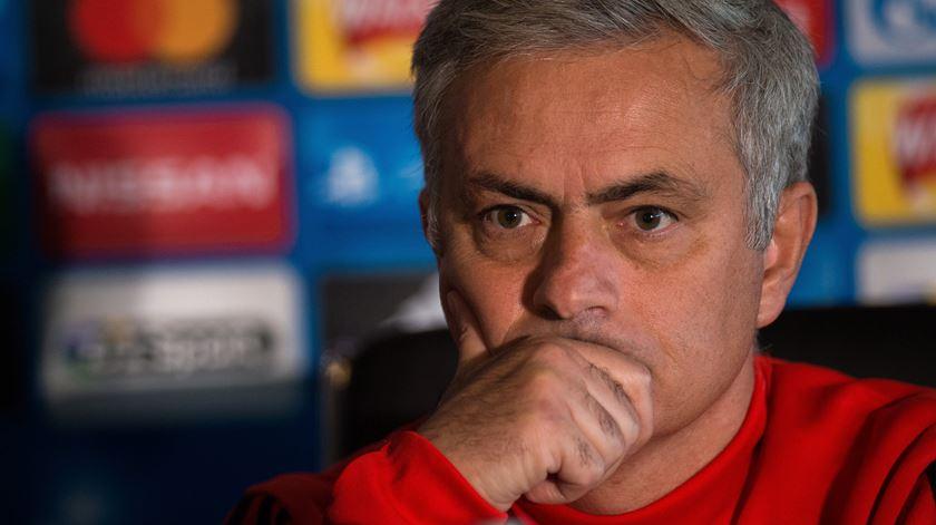"""Mourinho: """"Benfica tem legítimas aspirações de vencer em Manchester"""""""