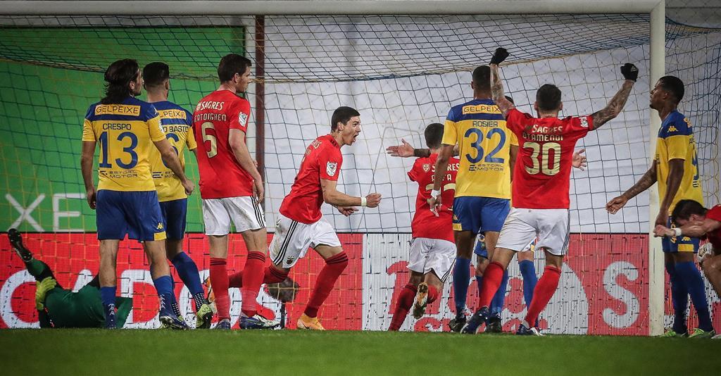 Benfica venceu o Estoril na 1.ª mão das meias-finais da Taça Foto: Mário Cruz/Lusa