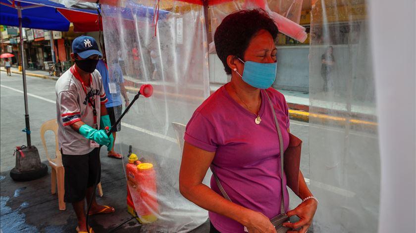Coronavírus. Quase 10 mil detidos libertados nas Filipinas