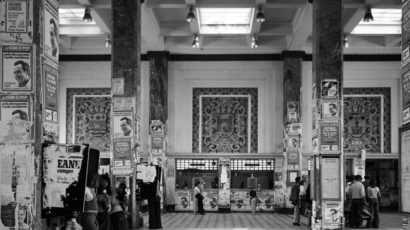 Vista interior da estação Sul e Sueste, 1976. Foto: Associação  de Turismo de Lisboa