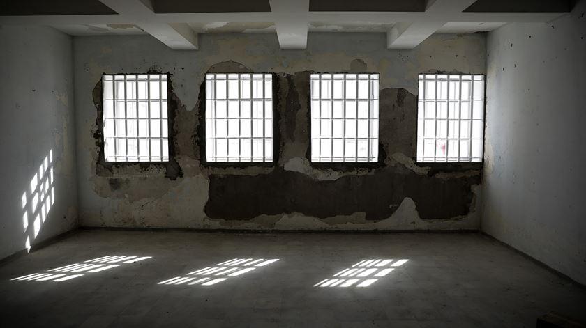 """""""Ali estão presos homens bons"""". A luta dos habitantes de Peniche pelos presos políticos"""