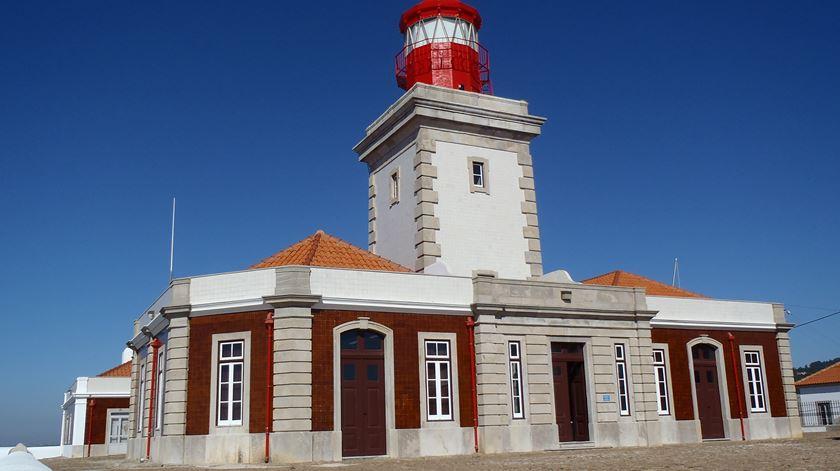 Farol do cabo da Roca, um dos 28 faróis da costa continental portuguesa.