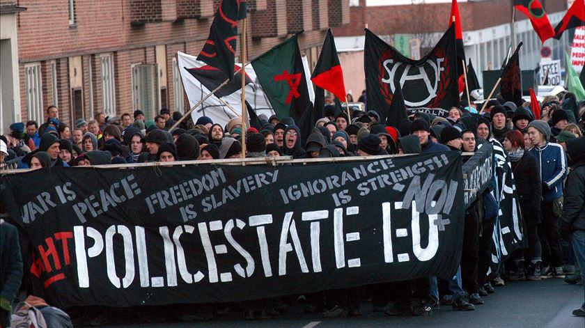 Manifestação anti-União Europeia em Copenhaga. Dinamarca, 2012. Foto: REUTERS/SCANPIX
