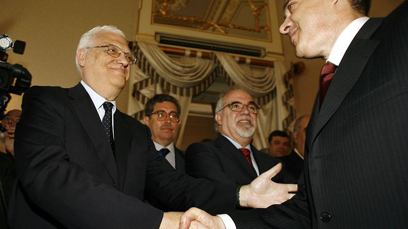 Freitas do Amaral foi ministro dos Negócios Estrangeiros no Governo de José Sócrates entre 2005 e 2006. Foto: Nacho Doce/Reuters