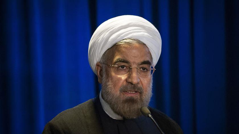 UE avança com mecanismo de trocas para contornar sanções de Trump ao Irão