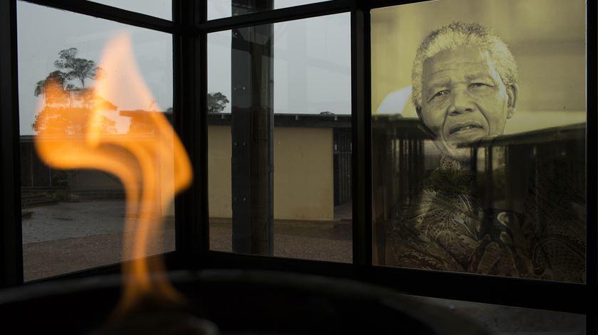 Cinco anos depois, como está o país órfão de Nelson Mandela?