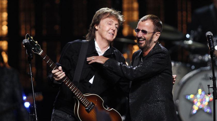 Paul McCartney e Ringo Starr gravam canção inédita de John Lennon