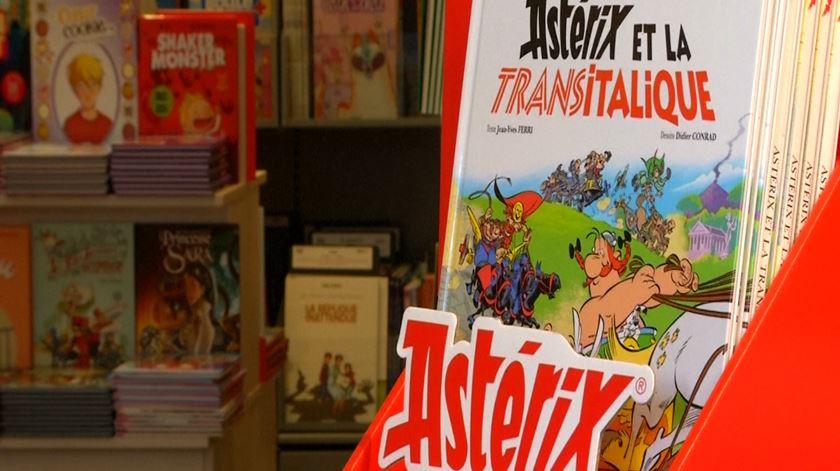 """Obélix protagonista e um vilão mascarado. As novidades de """"Astérix e a Transitálica"""""""