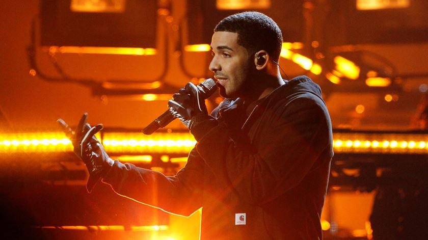 Drake bate recorde de Beatles. Conheça as músicas que estão no top da Billboard
